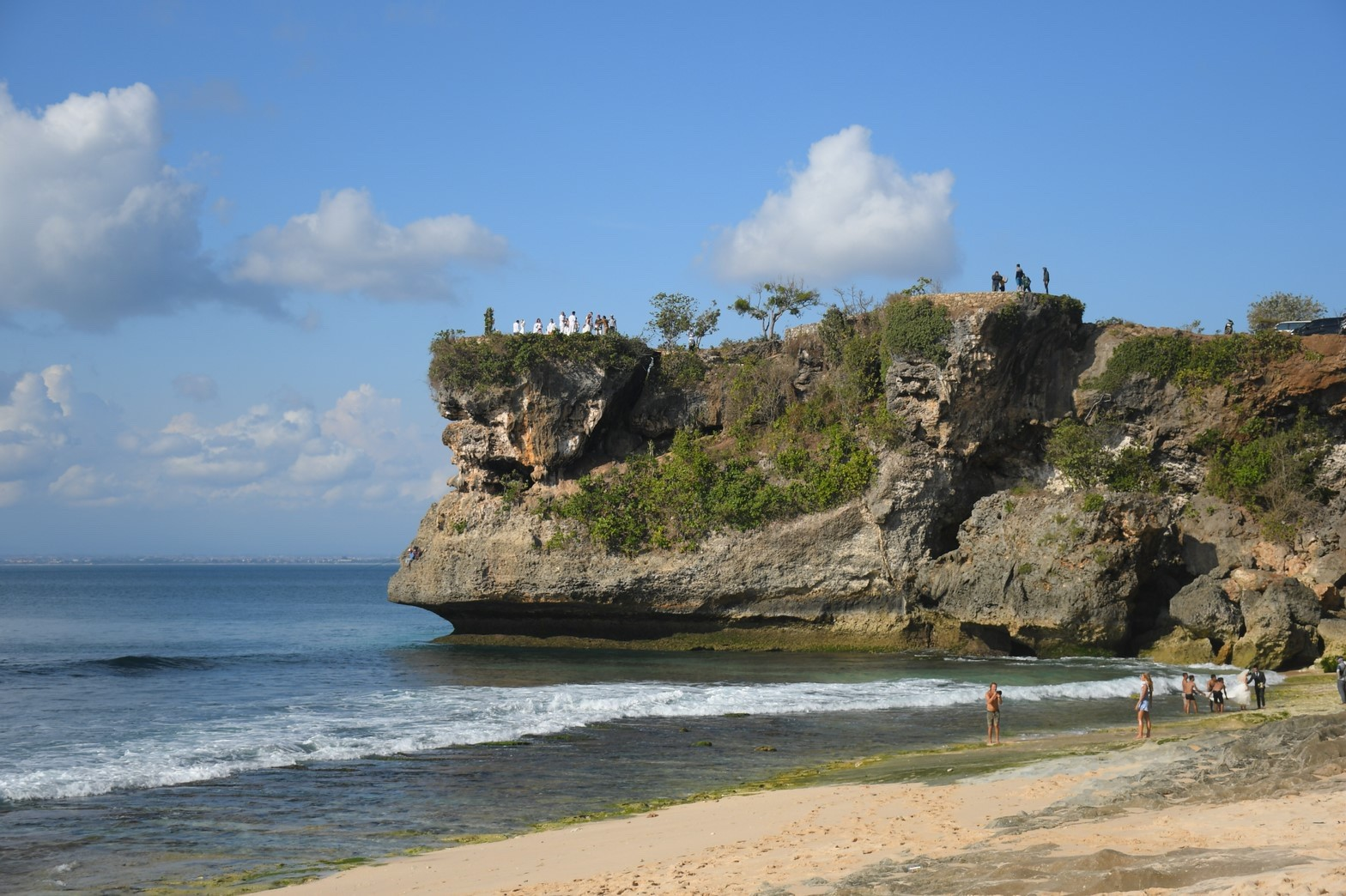バランガンビーチの雰囲気