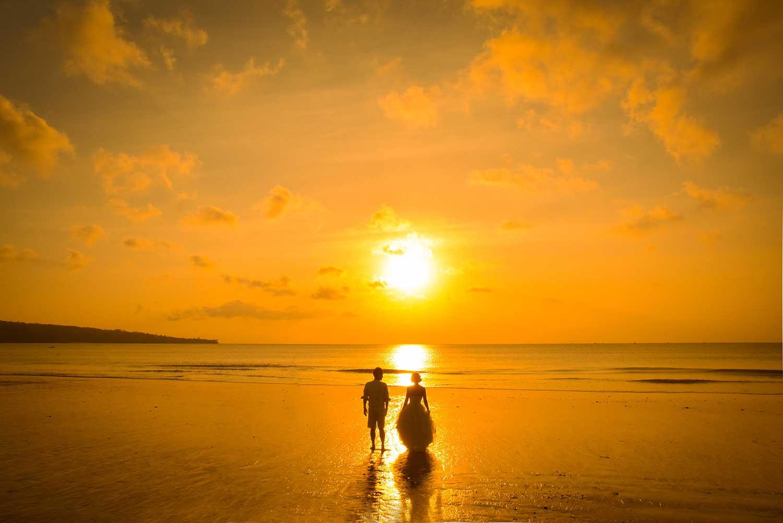 バリ島ジンバランビーチの夕日