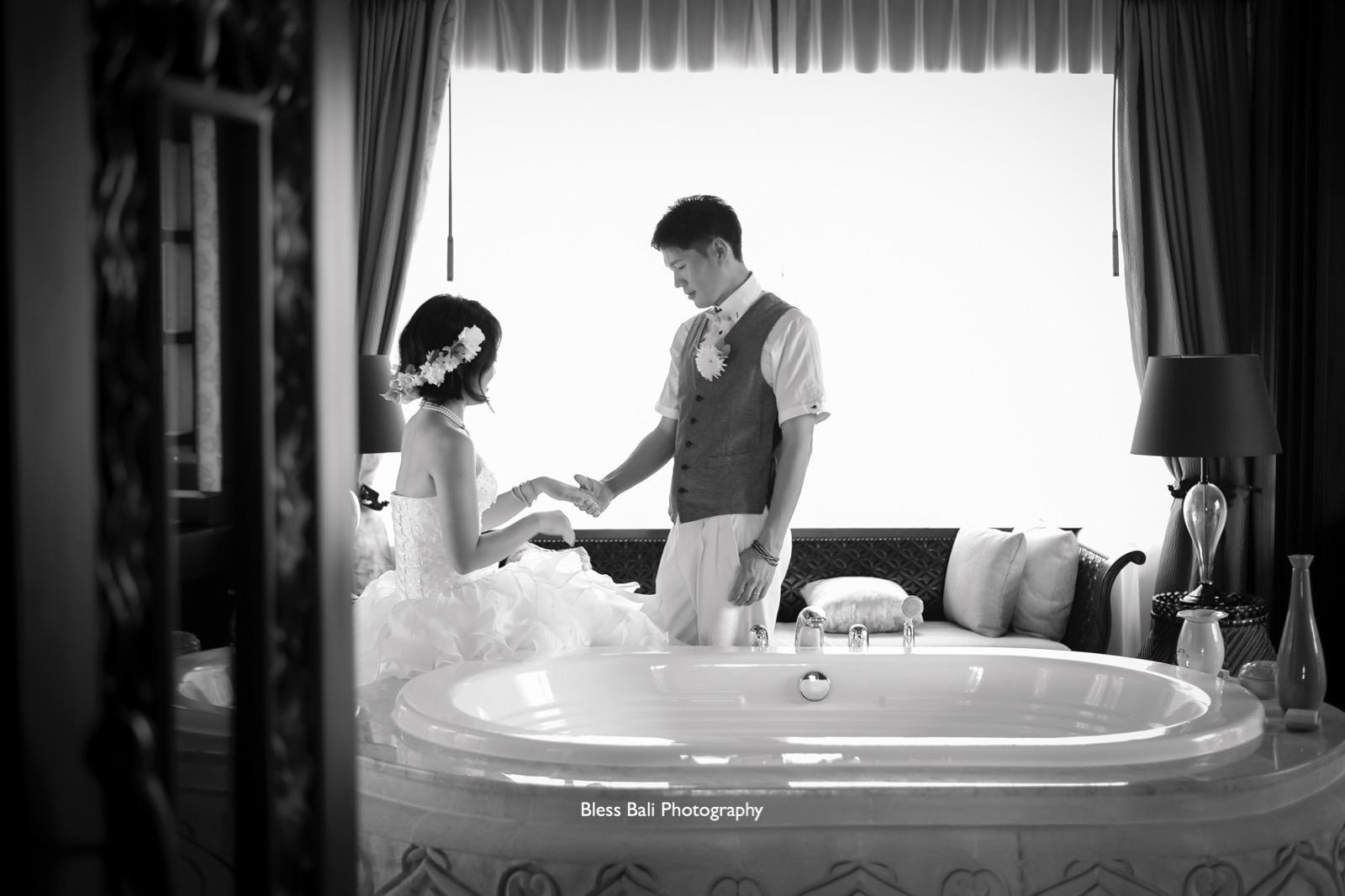 Ayana villa ロマンティックなバスルーム