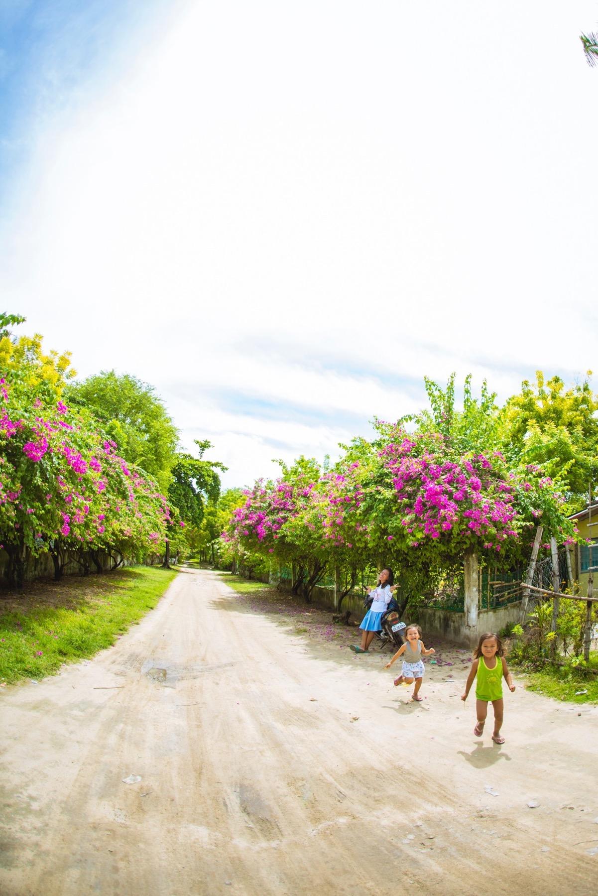 オランゴ島の子供たち