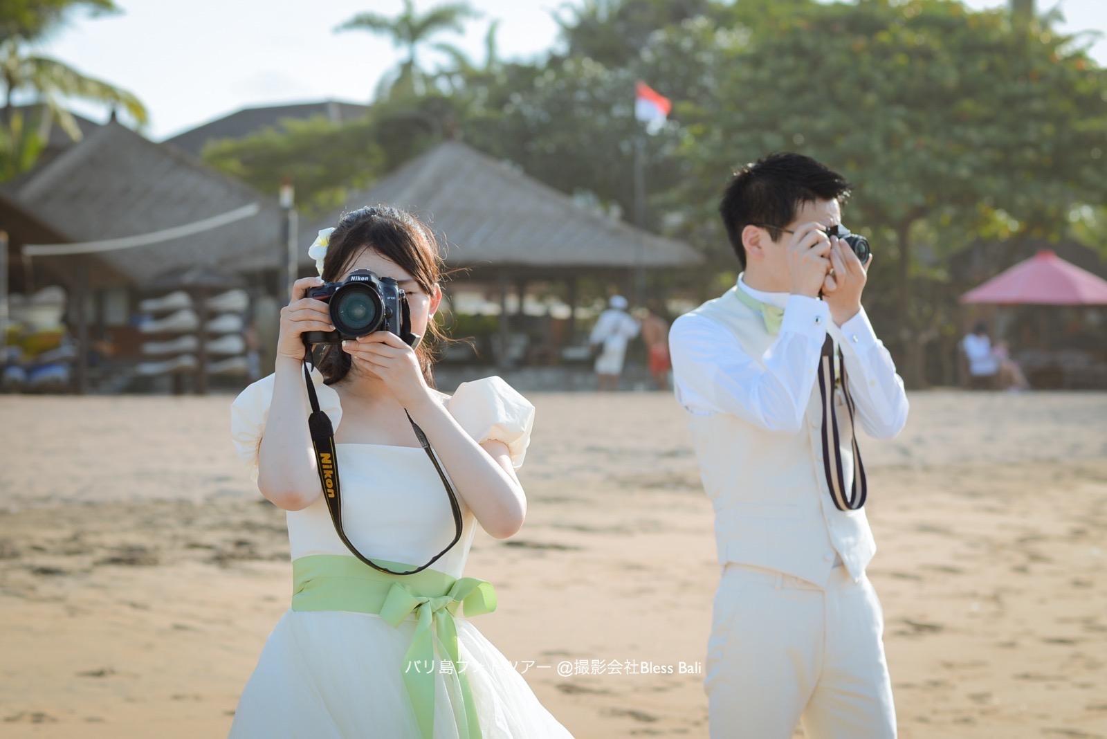 お二人のマイカメラを構えて!
