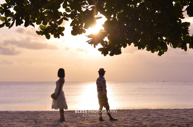 バリ島夕日ビーチでロケーションフォト