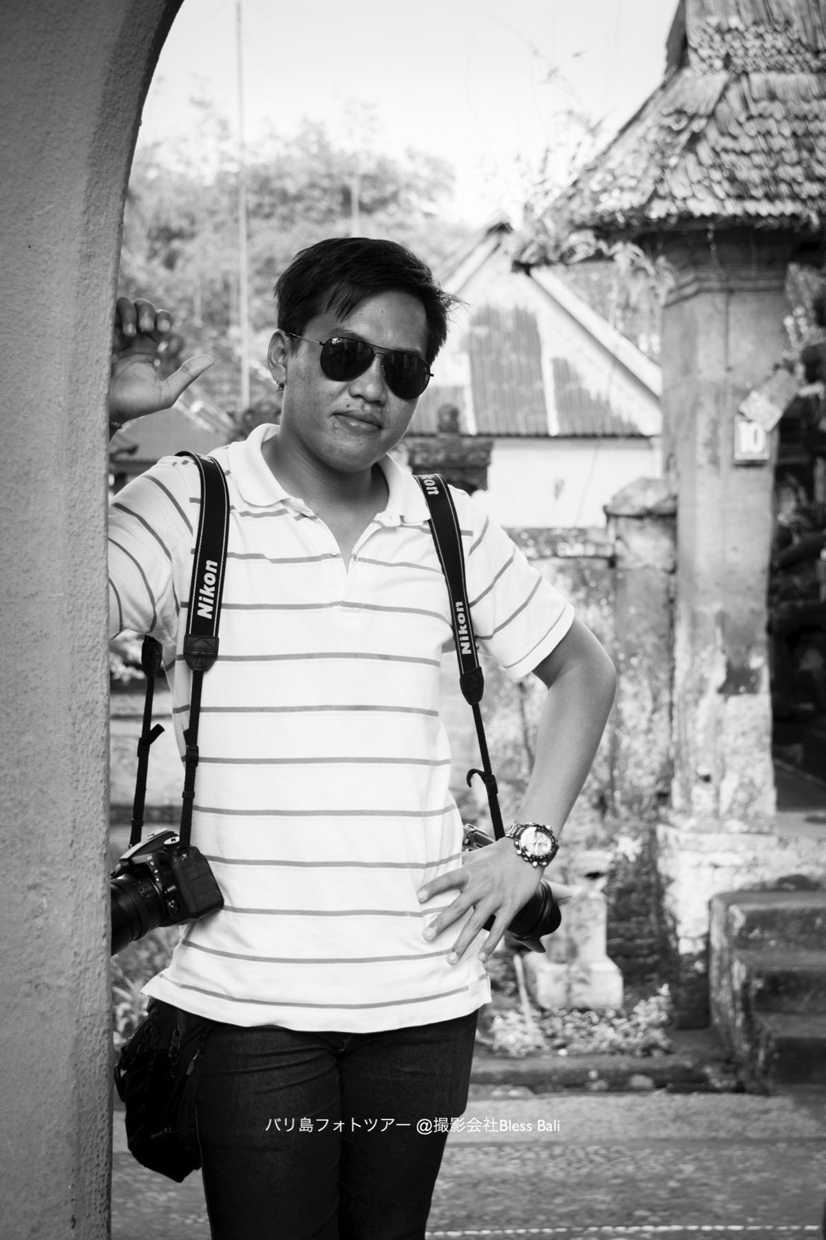 バリ人カメラマンのプトゥ