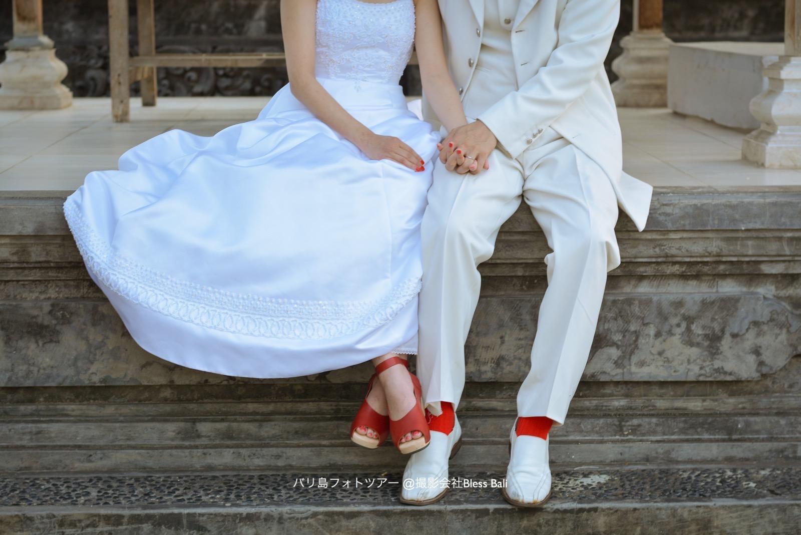 バリ島フォトツアー 赤い靴と靴下