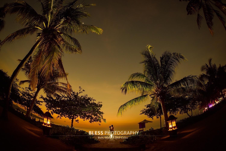 幻想的なバリ島のサンセットタイム