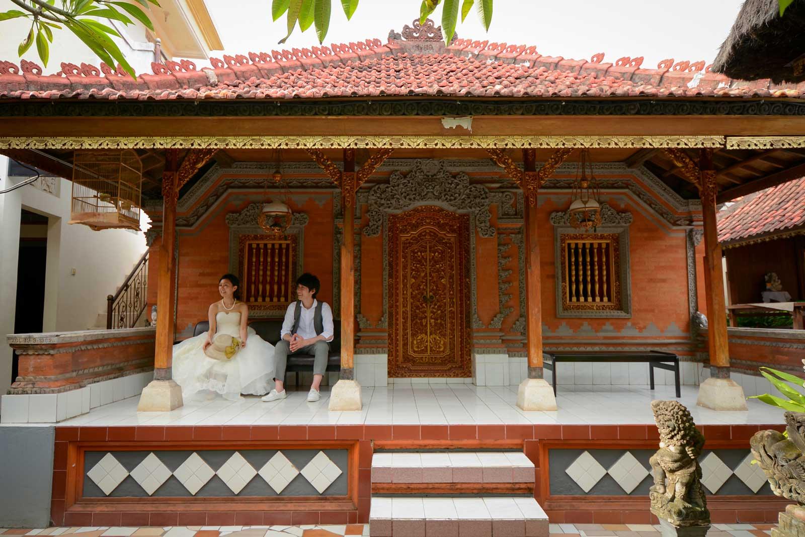 伝統的なバリのお家で撮影